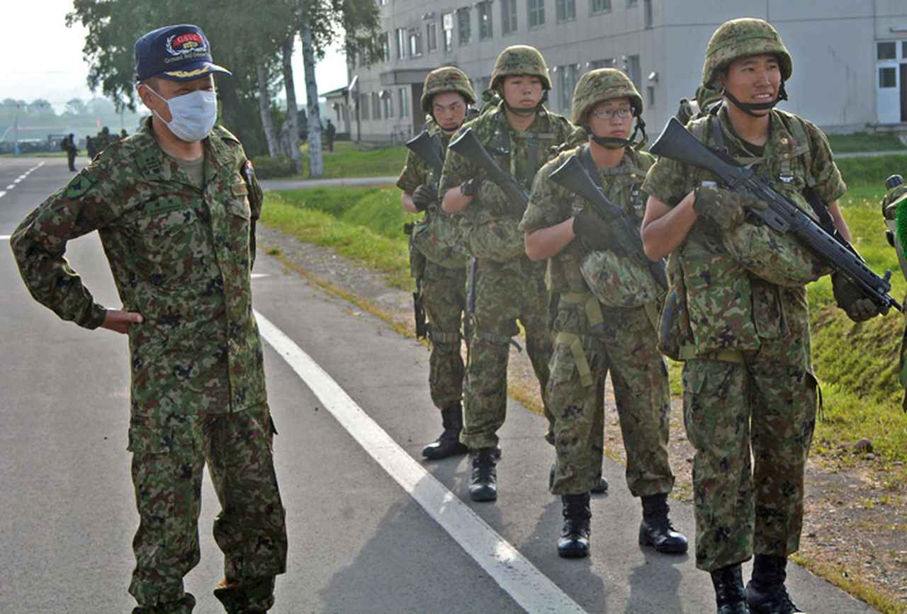画像2: 新隊員25人が行進訓練 35キロ全員完歩|名寄駐屯地
