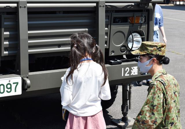 画像6: 募集対象者がヘリ体験 部隊見学も|群馬地本