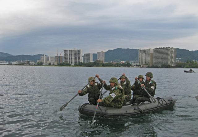 画像3: 水路潜入訓練(2020年10月7日)
