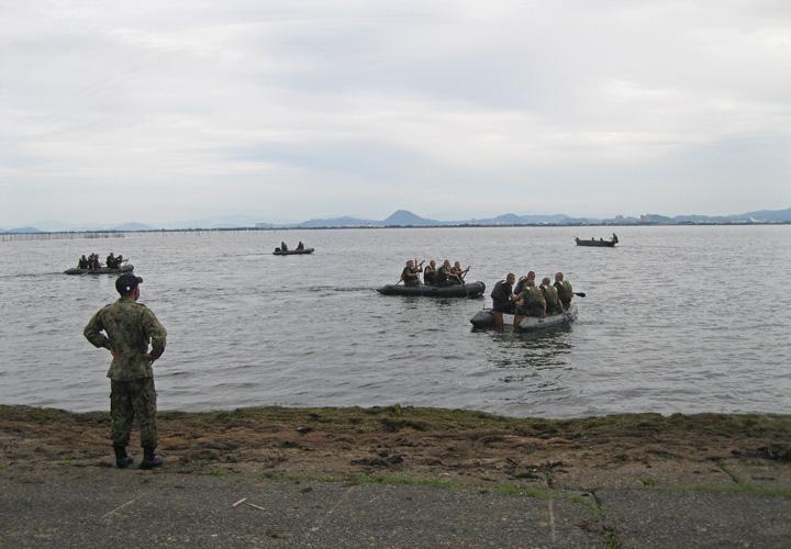 画像1: 水路潜入訓練(2020年10月7日)