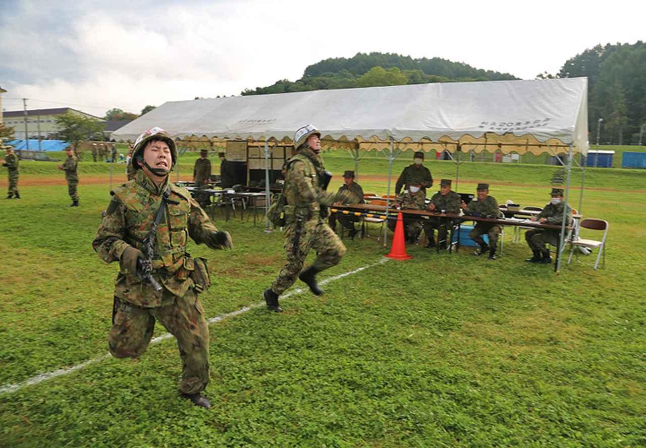 画像8: 武装走競技会 本部管理中隊が悲願の優勝 美唄駐屯地