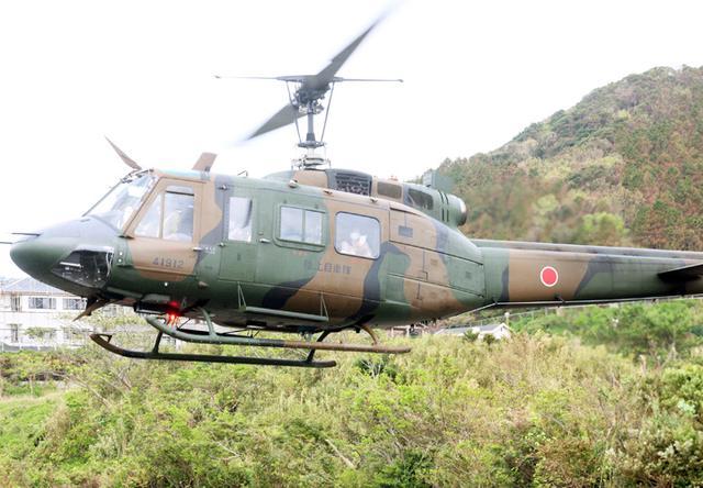 画像: 厳原ヘリポートを飛び立つヘリ