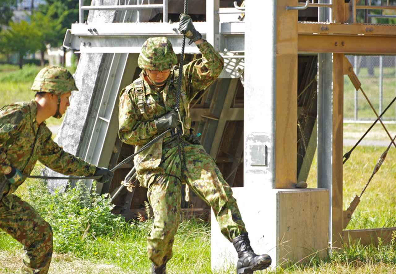 画像3: 幹候校の学生15人がリぺリング降下体験|松本駐屯地