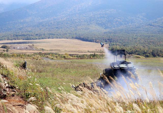 画像2: 支援射撃を行う重迫撃砲小隊