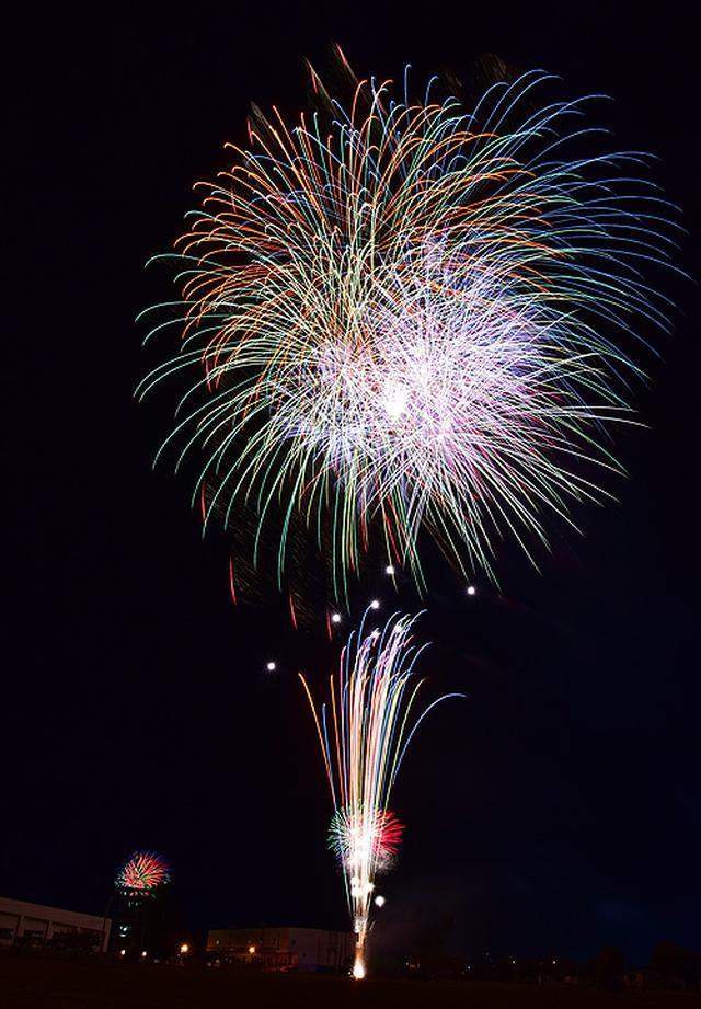 画像1: 打ち上げ場所を提供「土崎夢花火」を支援|秋田駐屯地