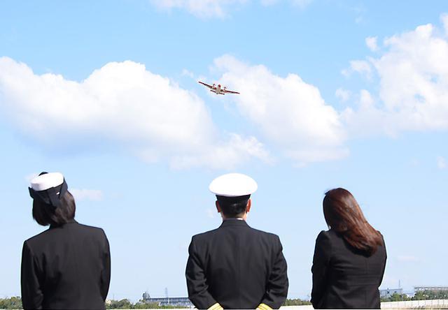 画像3: 基地開隊62周年行事/無事故飛行61万時間で1級賞状|海自徳島教育航空群