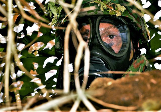画像: 第4次野営訓練 化学攻撃対処も演練|武山駐屯地
