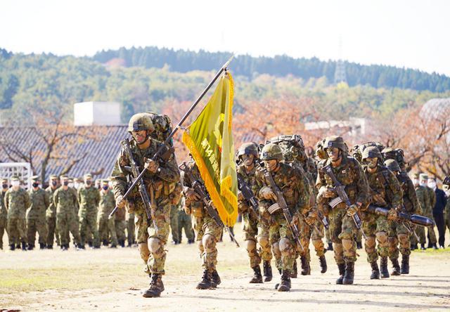 画像1: 450人が出迎え レンジャー威風堂々の帰還|金沢駐屯地