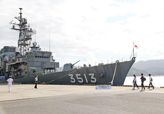 画像3: 瀬戸内海で海自練習艦「しまゆき」体験航海|広島地本
