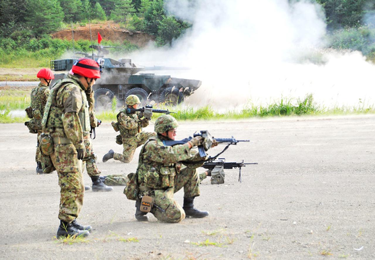 画像1: 22即機連野営訓練 機動と火力の連携を演練 多賀城駐屯地