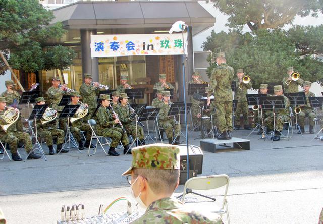 画像: 陸自西部音楽隊が部内演奏会 演習前に士気高揚図る|玖珠駐屯地