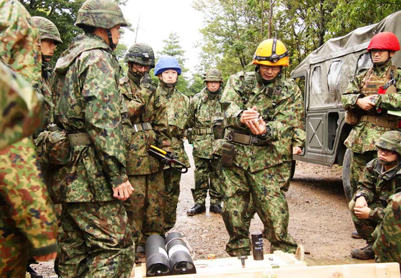 画像: 弾薬教育(120㎜迫撃砲)