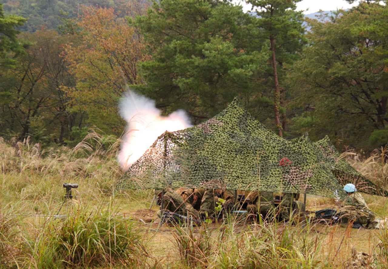画像: 発射の瞬間(81㎜迫撃砲)