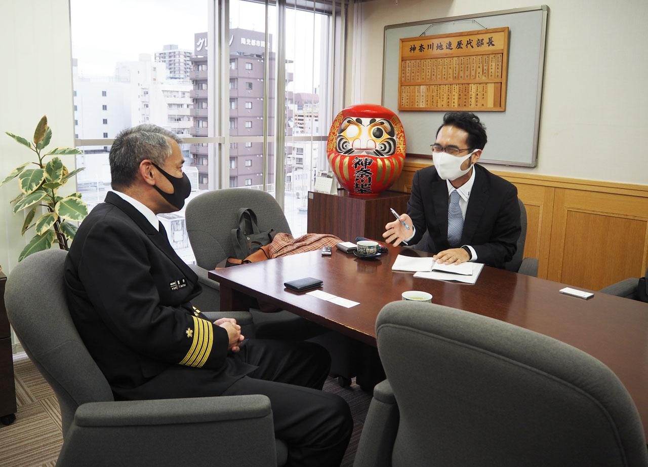 画像: とにかく本部長の話に引き込まれる。こんなに破顔の中の人、めったに見られません。地味に初顔出し。