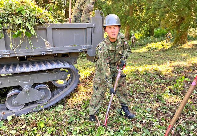 画像: 配属後、定期整備の初仕事 若林 悠翔 1陸士(第12普通科連隊 第4中隊)
