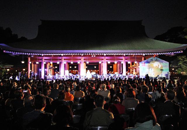画像1: 「医療従事者に癒しを」陸自中方音楽隊がコンサート|奈良地本