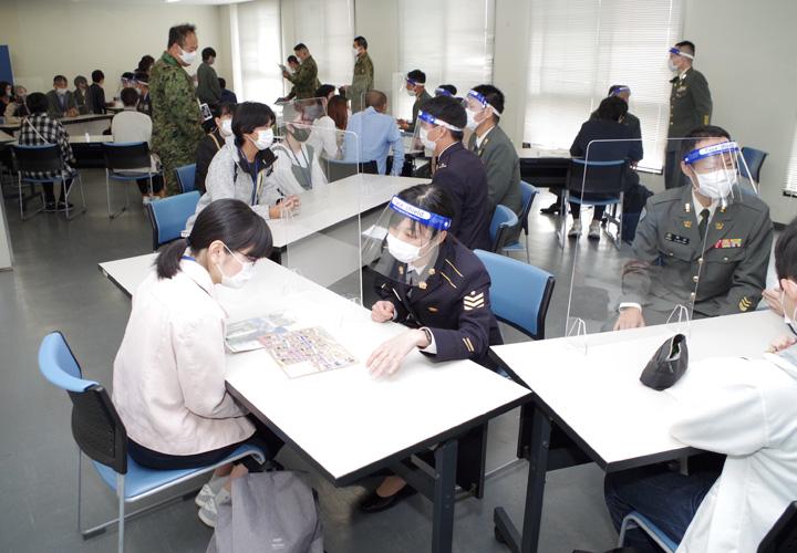 画像12: 陸自10師団が募集広報の日 対象者ら154人引率 愛知地本