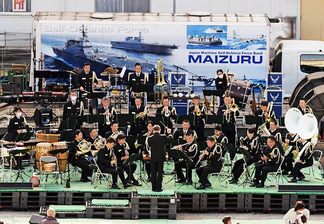 画像: 海上自衛隊舞鶴音楽隊