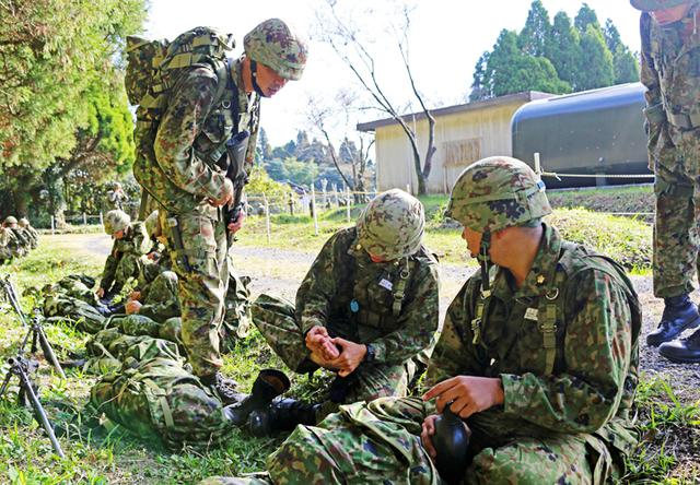 画像2: 一般陸曹候補生が25キロ行進訓練 全員が完歩|国分駐屯地