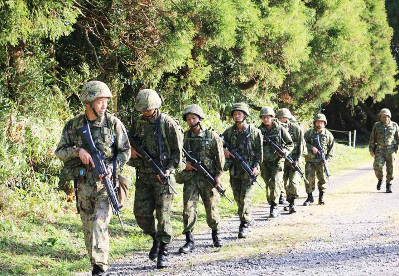 画像1: 一般陸曹候補生が25キロ行進訓練 全員が完歩 国分駐屯地
