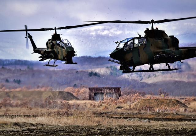 画像: 敵を制圧するAH