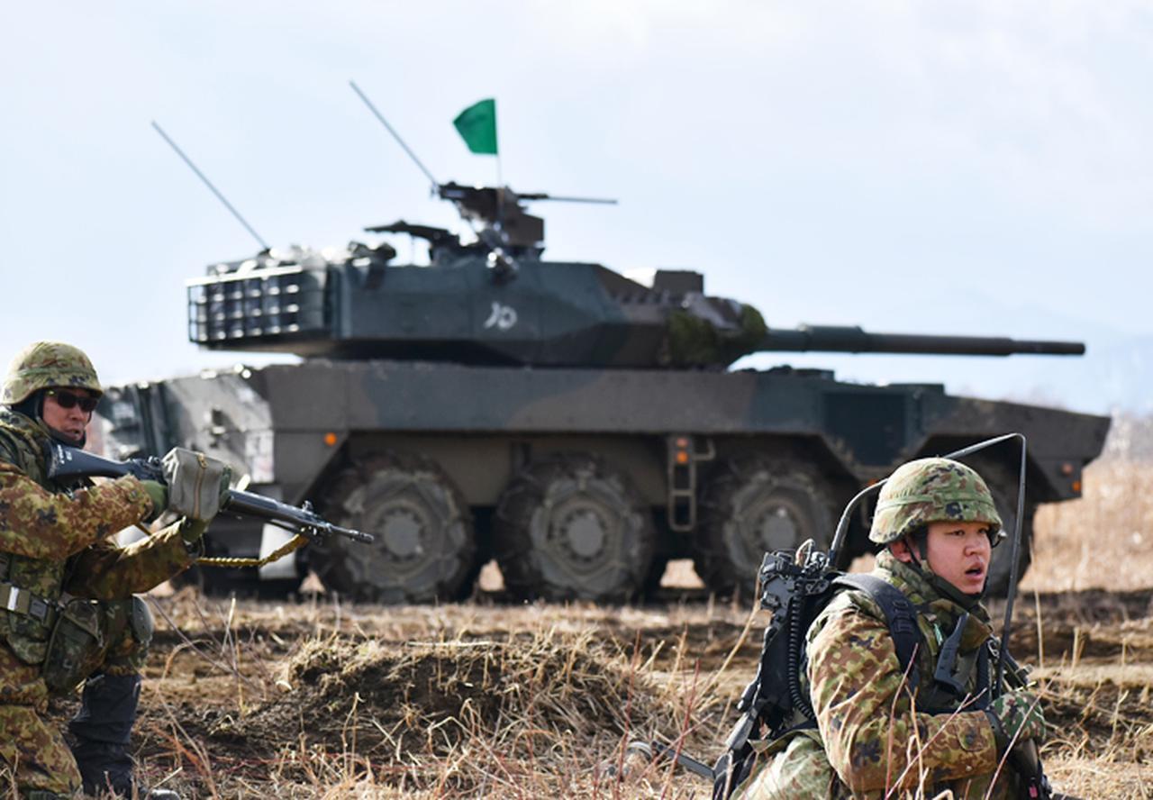 画像: MCVと連携して攻撃する小銃小隊
