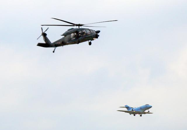 画像3: 百里救難隊(UH60J及びU125A)飛行初め