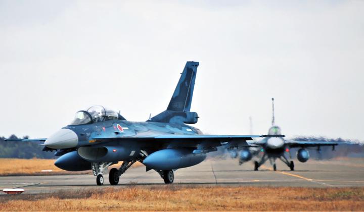 画像1: 第3飛行隊(F2戦闘機)飛行初め