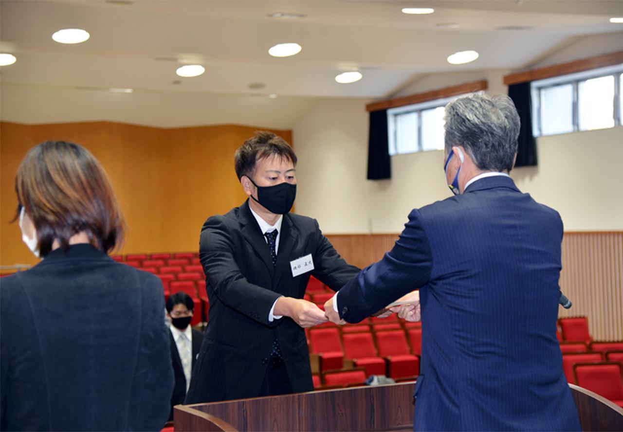画像2: 予備自衛官補辞令書交付式 即自隊員の妻も志願|熊本地本