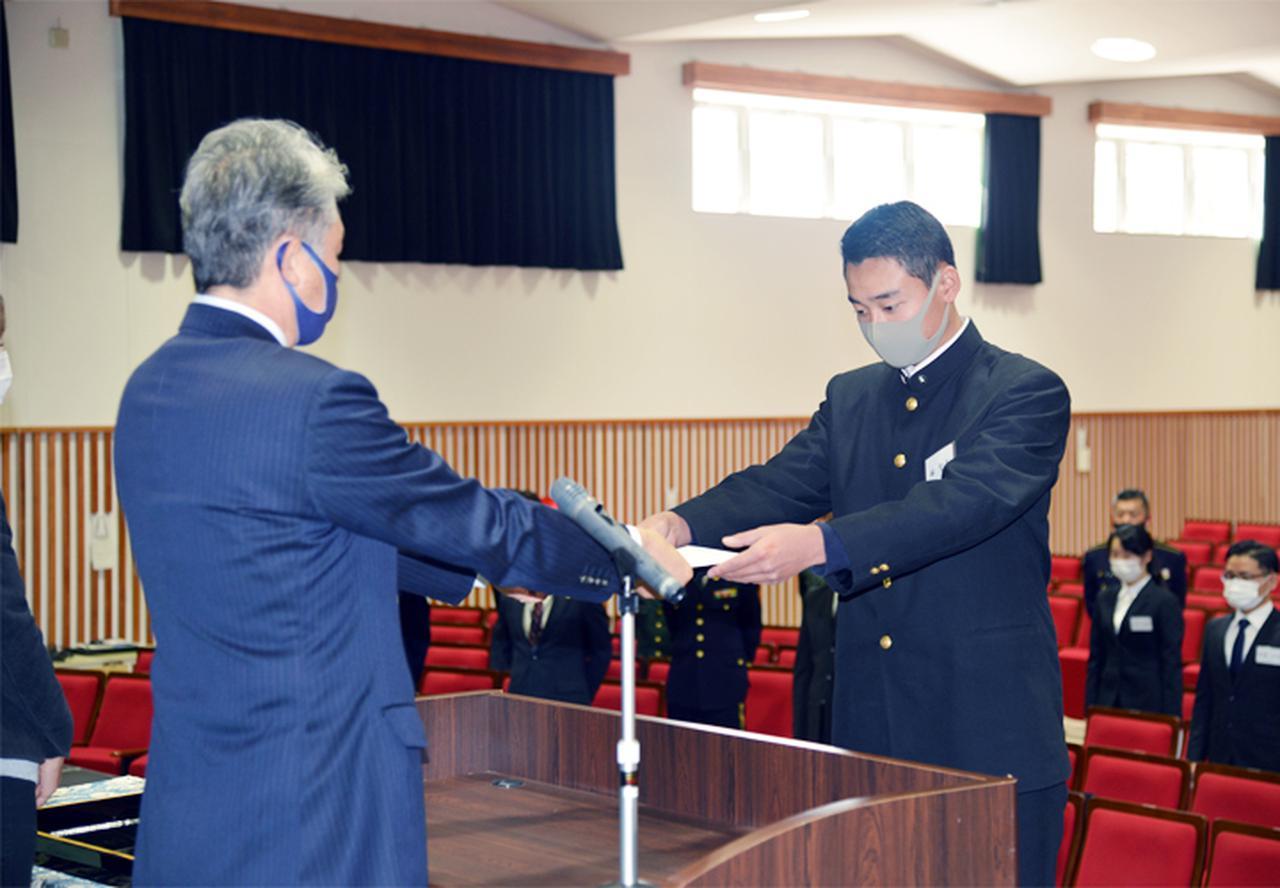 画像3: 予備自衛官補辞令書交付式 即自隊員の妻も志願|熊本地本