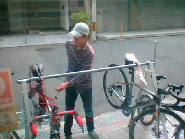 画像: ロードバイク盗難犯行動画 youtu.be