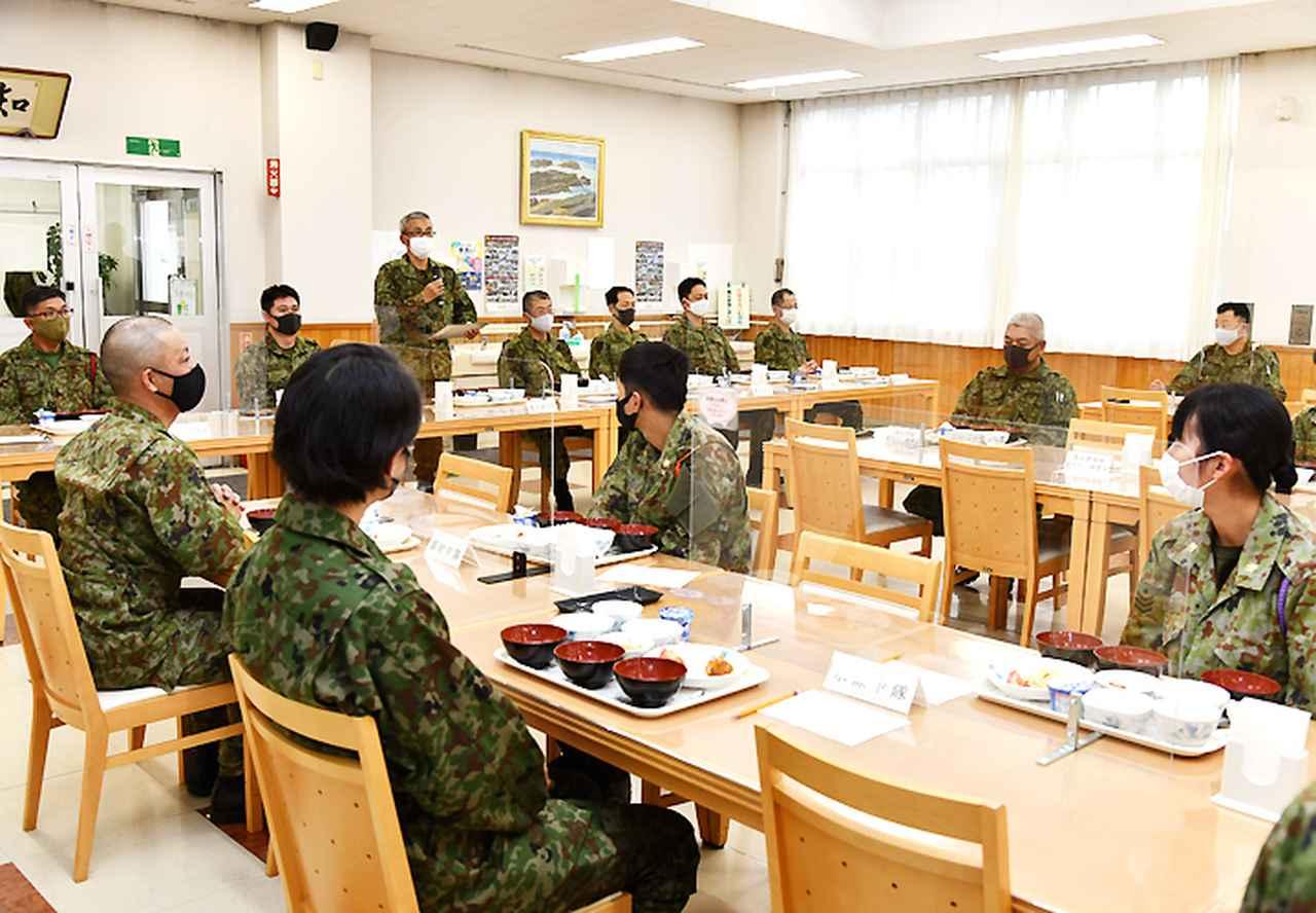 画像: 審査及び駐屯地司令から総評