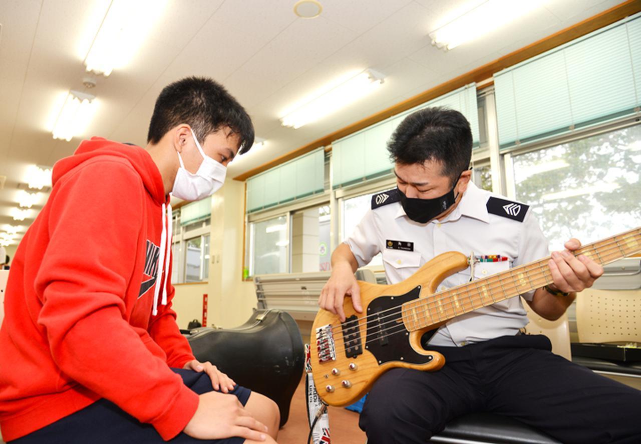画像3: 第15音楽隊員による演奏指導
