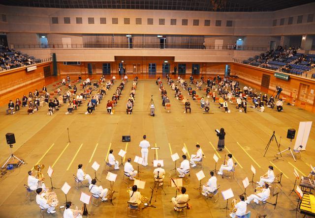 画像1: 15音楽隊コンサートを支援 中学生に演奏指導も|沖縄地本