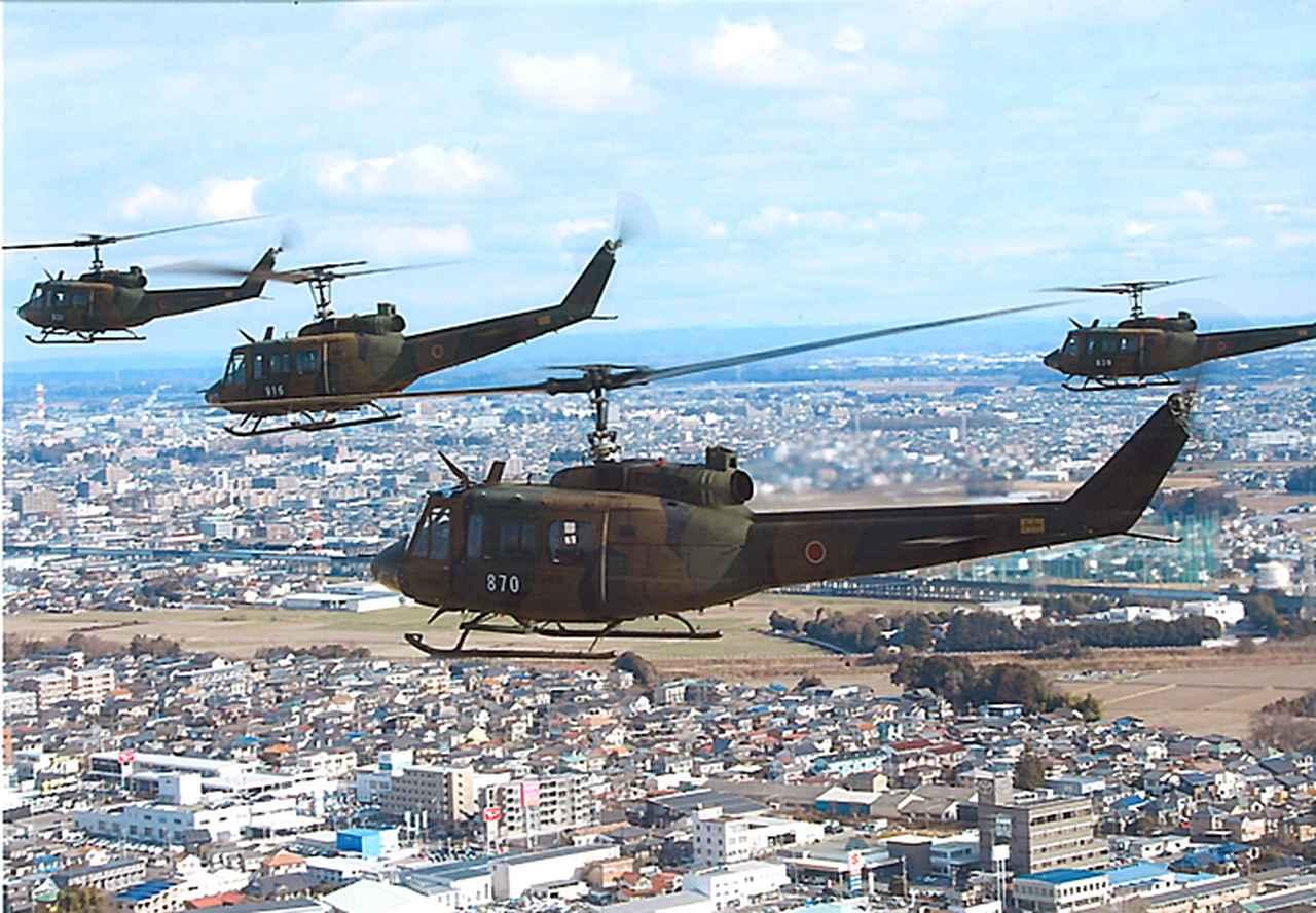 画像2: 訓練始め ヘリ10機が新春の蒼天に舞う 陸自航空学校宇都宮校