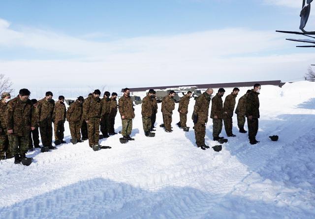 画像: 各中隊ごと安全祈願を実施