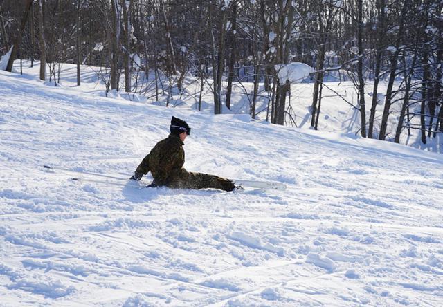 画像8: 官品スキー未経験者19人が積雪地集合訓練|岩見沢駐屯地