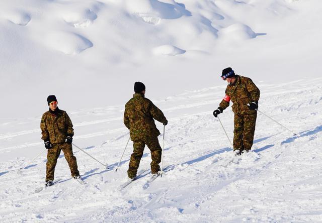 画像3: 官品スキー未経験者19人が積雪地集合訓練|岩見沢駐屯地