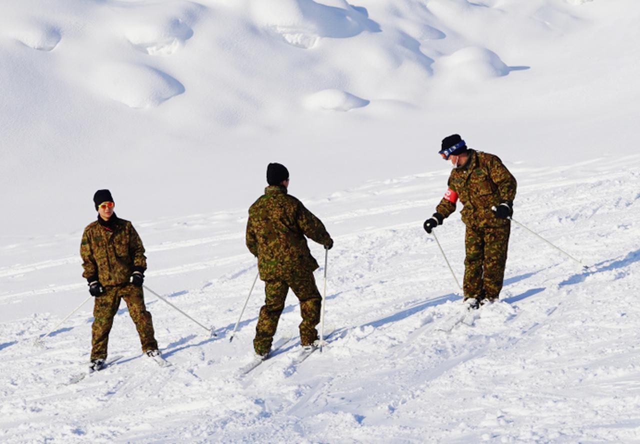 画像3: 官品スキー未経験者19人が積雪地集合訓練 岩見沢駐屯地