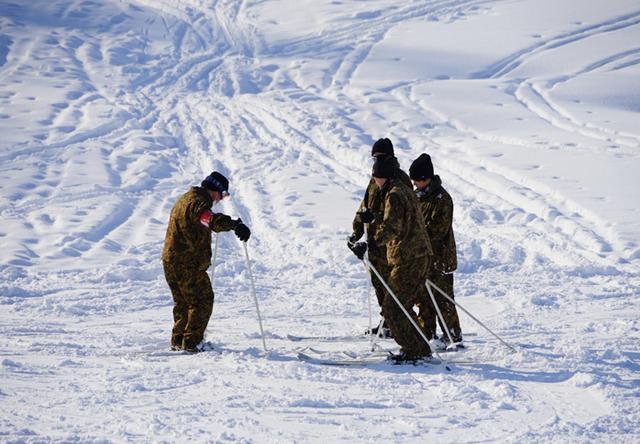 画像6: 官品スキー未経験者19人が積雪地集合訓練|岩見沢駐屯地