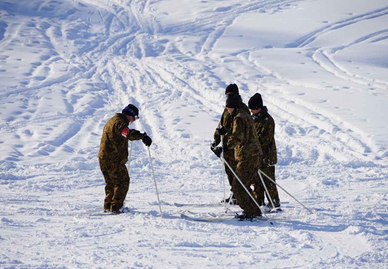 画像6: 官品スキー未経験者19人が積雪地集合訓練 岩見沢駐屯地