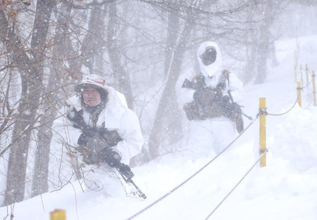 画像13: 雪舞う中、22即応機動連隊が第7次連隊野営訓練|多賀城駐屯地