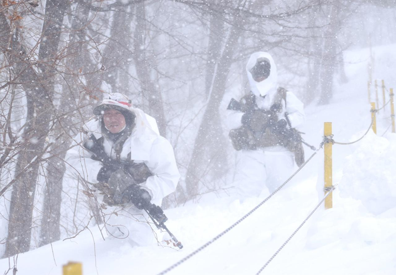 画像13: 雪舞う中、22即応機動連隊が第7次連隊野営訓練 多賀城駐屯地