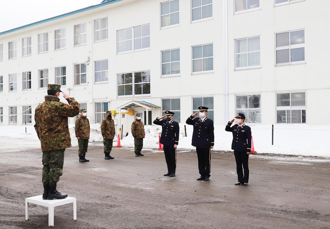 画像3: 20普連に幹部候補生3人着隊 幹部の一歩踏み出す 神町駐屯地