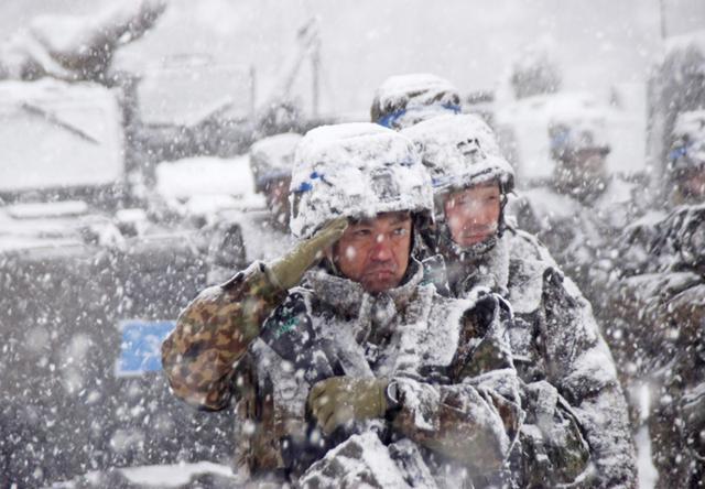 画像2: 雪舞う中、22即応機動連隊が第7次連隊野営訓練|多賀城駐屯地