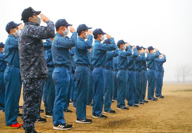 画像5: 高校生45人が海自体験 基本教練、短艇訓練など|大阪地本