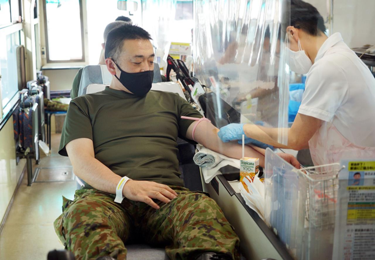 画像4: 献血に協力「社会貢献を続けたい」|岩見沢駐屯地