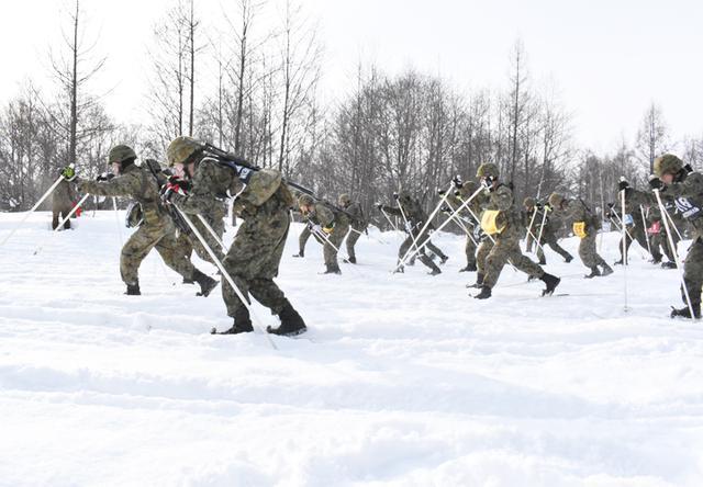 画像2: 4特科群 積雪寒冷地での機動能力向上図る|上富良野駐屯地