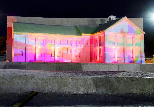 画像1: 「コロナ禍でも笑顔を」弘前城雪燈籠まつりに協力 弘前駐屯地