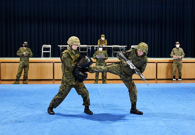 画像6: 師団格闘集合訓練 17人を部隊格闘指導官に認定|陸自3師団